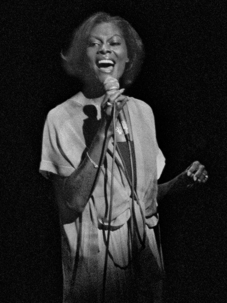 Dionne Warwick in Los Angeles1976© 1978 Steve Banks - Image 24377_0091