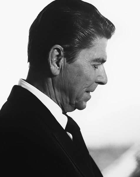 Ronald Reagan (President-elect) in Culver City, CA 1980© 1980 Steve Banks - Image 24377_0187