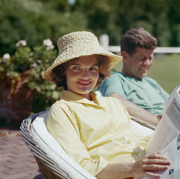 Jacqueline and John F. Kennedy at Hyannis Port 1959 © 2000 Mark Shaw - Image 2554_0038