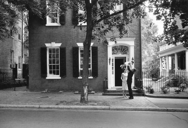John F. Kennedy, Jacqueline Kennedy and Caroline Kennedy at Georgetown 1959 © 2000 Mark Shaw - Image 2554_0043