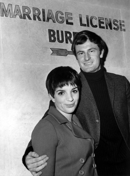 Liza Minnelli with Peter Allen1967 - Image 2703_0109