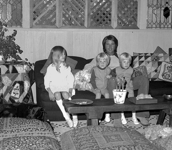 Rick Nelson at home with wife Kris, twinsGunner and Matthew and daughter Tracey, c. 1970 © 1978 Chester Maydole - Image 2743_0057