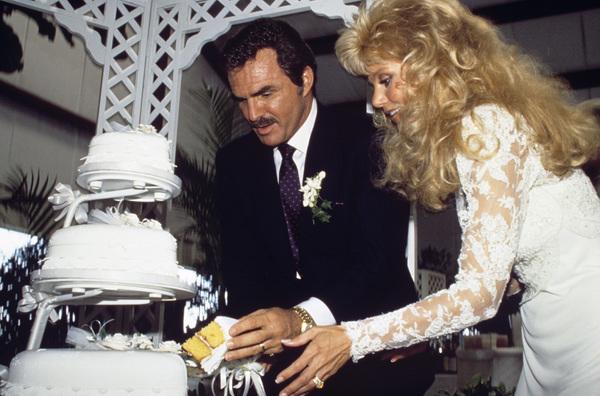 Loni Anderson and Burt Reynolds on their wedding day 1988 © 1988 Mario Casilli - Image 2868_0243