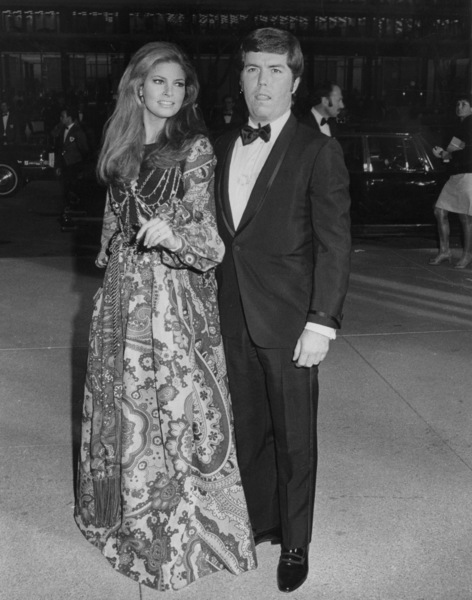 Raquel Welch arriving at the Academy Awards with husbandPatrick Curtis1969 - Image 3084_0115
