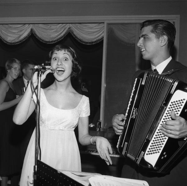 Marlo Thomas at her birthday partycirca 1958 © 1978 Bernie Abramson - Image 3091_0054