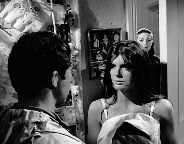 """The Graduate""Dustin Hoffman, Katharine Ross, Anne Bancroft1967 Embassy Pictures Corporation - Image 3461_0323"