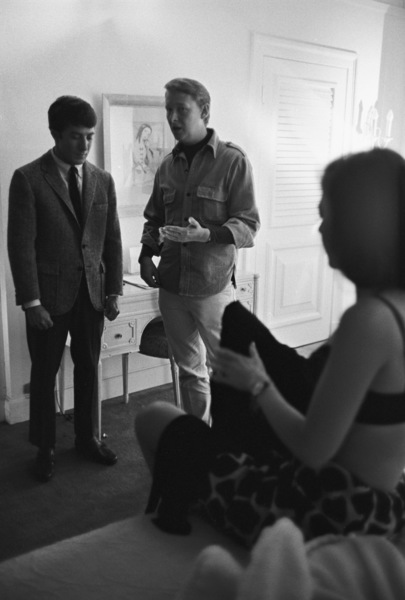 """The Graduate""Dustin Hoffman, Mike Nichols, Anne Bancroft1967 United Artists© 1978 Bob Willoughby - Image 3461_0464"