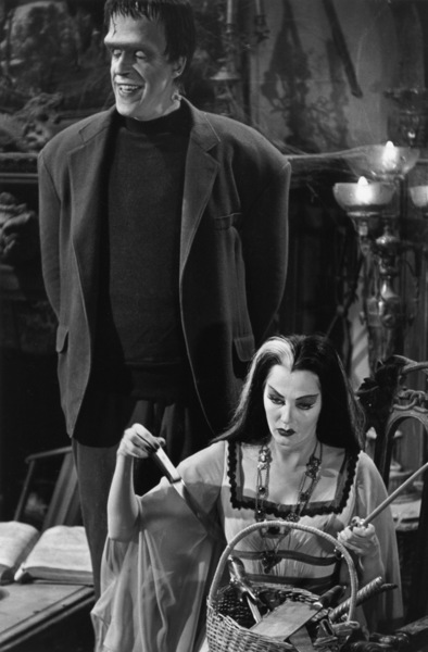 """The Munsters""Fred Gwynne, Yvonne De Carlo1964© 1978 Bob Willoughby - Image 3600_0116"