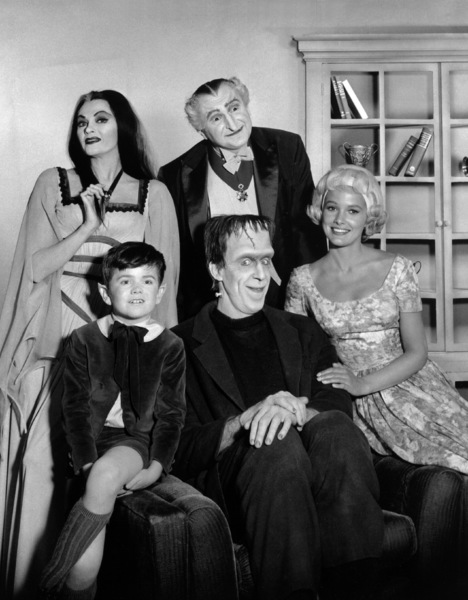 """The Munsters""Yvonne De Carlo, Al Lewis, Butch Patrick, Fred Gwynne, Beverley Owencirca 1964** Part of the Kevin Burns Collection - Image 3600_0281"