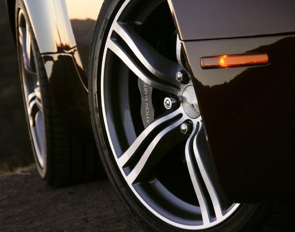 Cars2007 Aston Martin Vantage© 2014 Ron Avery - Image 3846_2273