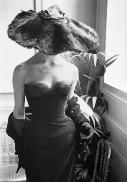"""Dior fashion model Eugenie Pompon wearing the """"Clorinde"""" dress (Autumn-Winter Haute Couture collection, H line)1954© 2013 Mark Shaw - Image 3956_0855"""