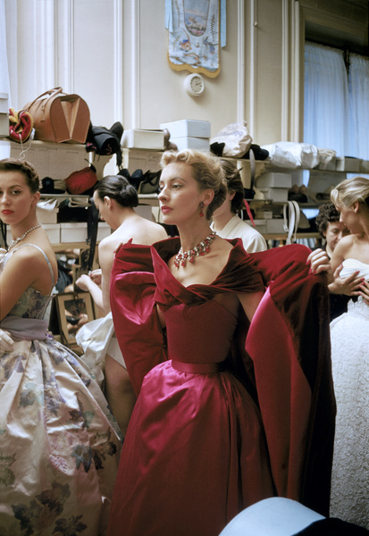 Models backstage at the Pierre Balmain Couture show in Paris, France 1954 © 2005 Mark Shaw  - Image 3956_0937
