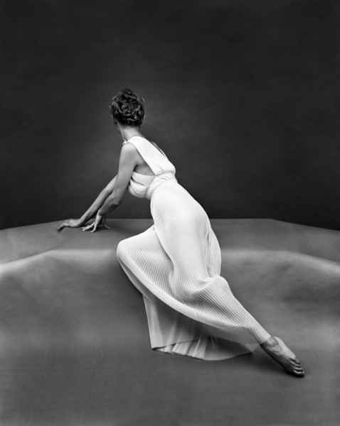 """""""Fashion""""Model wearing Vanity Fair gown1949 © 2005 Mark Shaw - Image 3956_0945"""