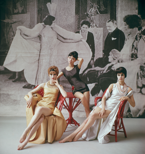 Models in Nina Ricci1961 © 2008 Mark Shaw - Image 3956_0980