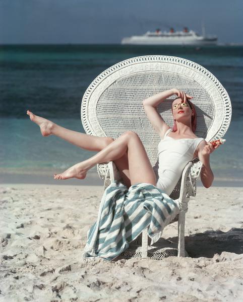 Fashion Model circa 1957 © 2008 Mark Shaw  - Image 3956_0983