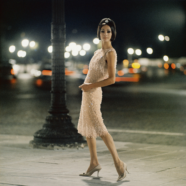 "Dior fashion model wearing ""Ciel de feu"" dress (Autumn-Winter Haute Couture collection, Charme 62 line)1961© 2013 Mark Shaw - Image 3956_1107"