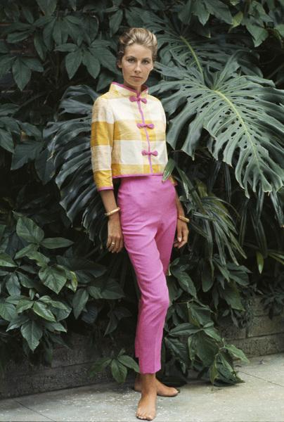 Mrs. Alfred Gwynne Vanderbilt in her garden wearing Tiger Morse1962© 2015 Mark Shaw - Image 3956_1232
