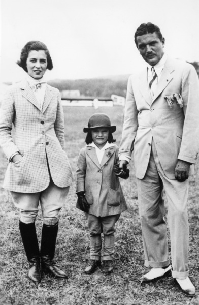 Jacqueline Kennedy and her parentscirca 1936 - Image 4027_0007