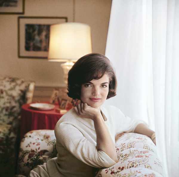 Jacqueline Kennedy at the White House1961© 2000 Mark Shaw - Image 4027_0046