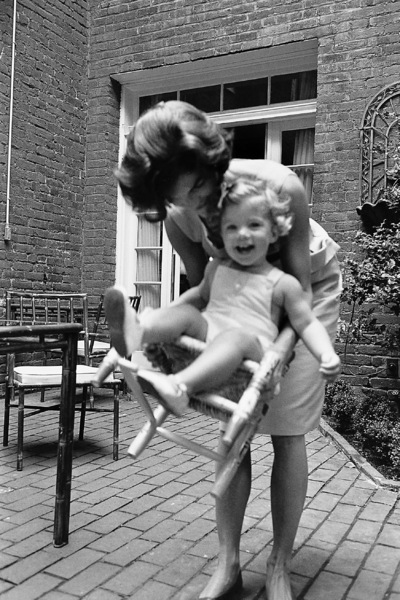 Jacqueline Kennedy and Caroline Kennedy at Georgetown1959 © 2000 Mark Shaw - Image 4027_0064