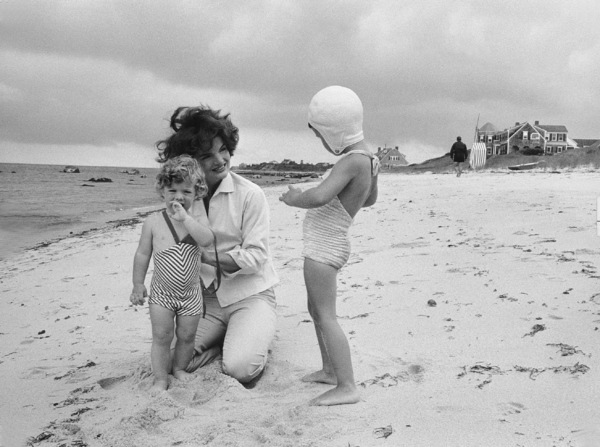 Caroline Kennedy and Jacqueline Kennedy at Hyannis Port 1959 © 2000 Mark Shaw - Image 4027_0070