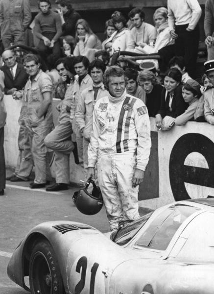 """""""Le Mans""""Steve McQueen next to a Porsche 9171971 Solar Productions - Image 4170_0018a"""