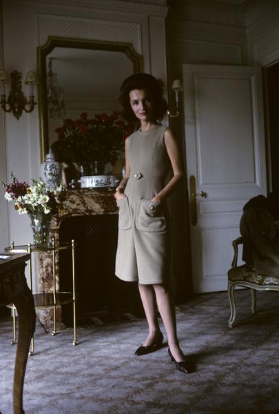Lee Radziwill in Dior fashion1962 © 2000 Mark Shaw - Image 4178_0006