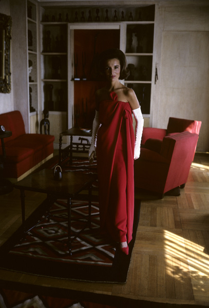 Lee Radziwill in a Lanvin red dress1962 © 2000 Mark Shaw - Image 4178_0022