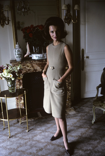 Lee Radziwill in Dior fashion1962 © 2000 Mark Shaw - Image 4178_0035