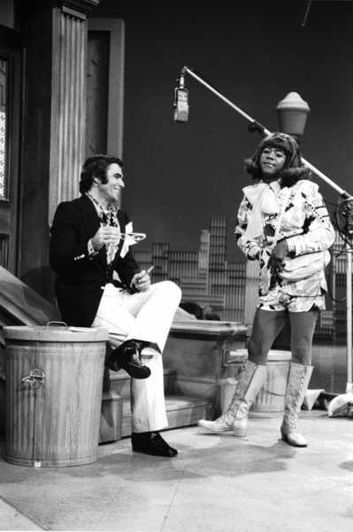 "4543-4 ""THE FLIP WILSON SHOW""BURT REYNOLDS,FLIP WILSONCIRCA 1971 NBC © 1978 DAVID SUTTON / MPTV - Image 4643_4"