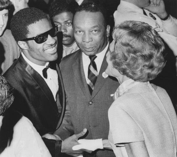"""Stevie Wonder, Mayor Walter Washington of Washington and Pat Nixon at the kickoff night of the """"Summer in the Park"""" Program6/29/1969 - Image 4804_0004"""