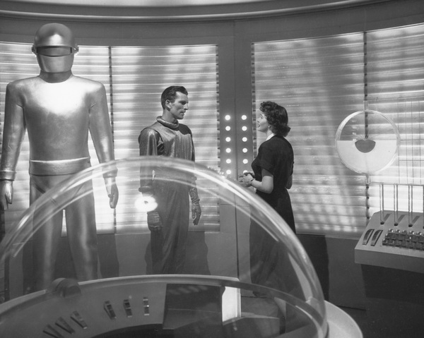 """The Day the Earth Stood Still""Michael Rennie, Hugh Marlowe, & Patricia Neal 1951 20th **I.V. - Image 5090_0010"