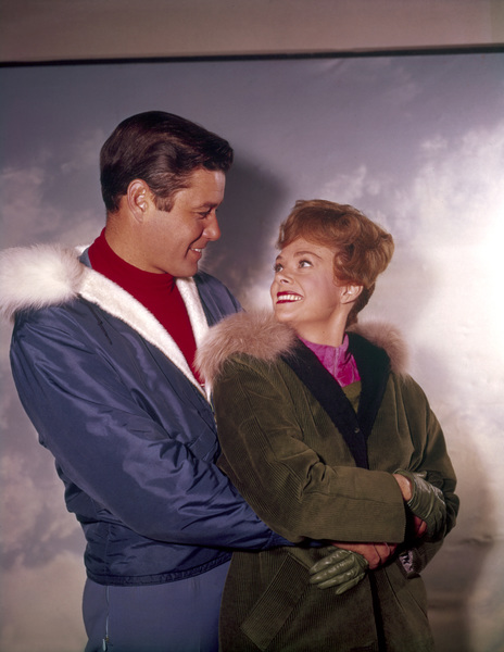 """""""Lost in Space"""" Guy Williams, June Lockhart circa 1965 © 2009 Space Productions ** I.A. - Image 5095_0185"""