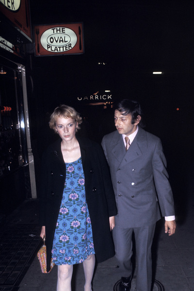 Mia Farrow out on the town with Andre PrevinC. 1971 © 1978 Gunther - Image 5168_0019