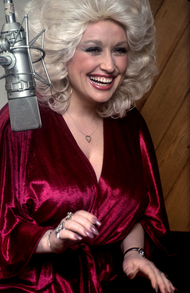 Dolly Parton at recording session1978 © 1978 Ed Thrasher - Image 5184_0008
