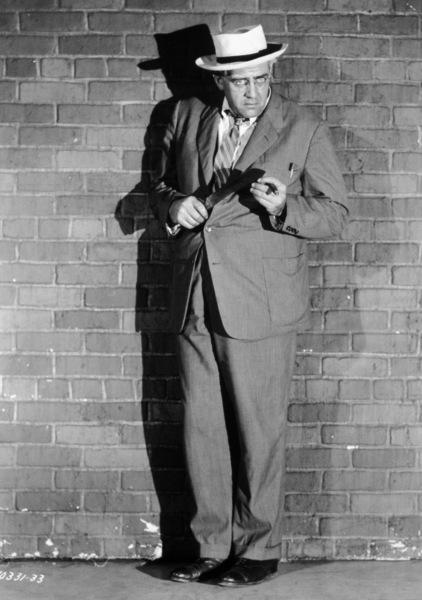 """Rear Window""Raymond Burr1954 Paramount**I.V. - Image 5375_0026"