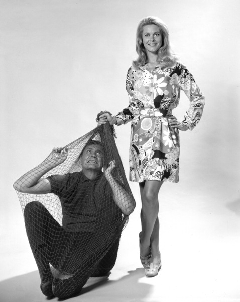 """""""Bewitched""""Elizabeth Montgomery and Dick Sargentc. 1966 ABC**I.V. - Image 5406_0078"""