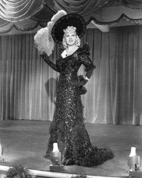 """My Little Chickadee""Mae West1940 Universal**I.V. - Image 5750_0014"