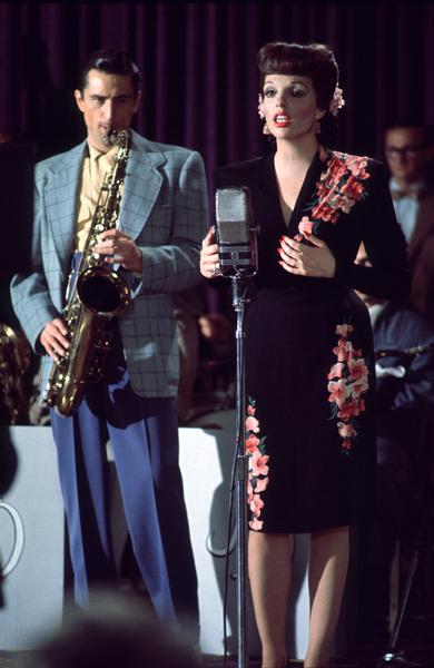 """New York, New York""Robert De Niro and Liza Minnelli. © 1977 UA/Chartoff-WinklerPhoto by Bruce McBroom - Image 5810_0030"