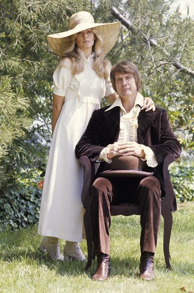 Farrah Fawcett with husband Lee Majors posing for their engagement photo circa 1973 © 1978 Bruce McBroom - Image 5928_0175