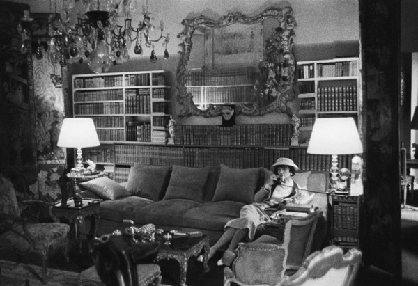 Coco Chanel in the living room of her Paris apartment over her fashion house on Rue Cambon1957 © 2000 Mark Shaw - Image 5970_0027