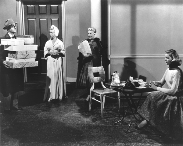 """""""How To Marry A Millionaire""""William Powell, Marilyn Monroe,Betty Grable and Lauren Bacall1953 / 20th Century Fox**R.C. - Image 6497_0009"""