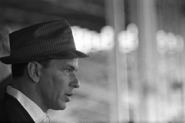 "Frank Sinatra during the filming of ""A Hole in the Head""1959 United Artists** I.V. - Image 6500_0004"