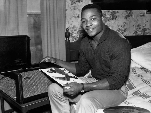 Jim BrownFullback for the Cleveland Browns relaxing at home in Ohio, December 23, 1957 - Image 7293_0003