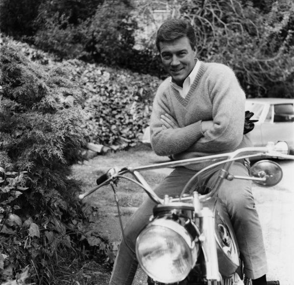 Roger Smith at home1965© 1978 Joe Shere - Image 7345_0007