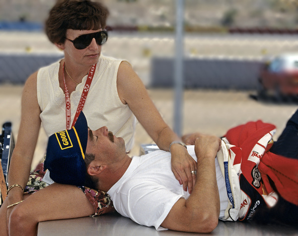 Nigel Mansell with his wife Roseanne at Phoenix International Raceway1994 © 1994 Ron Avery - Image 7570_0020