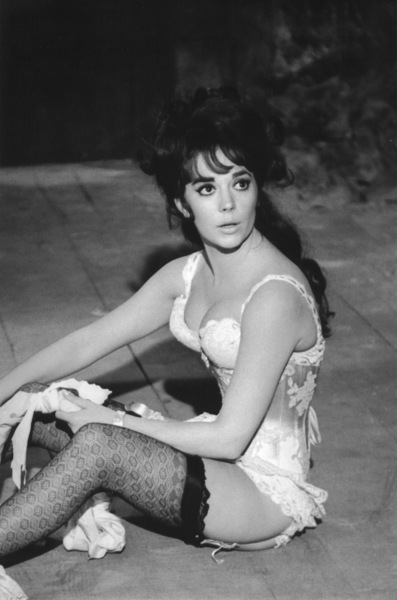 """Natalie Wood on the set of """"The Great Race,"""" 1964. © 1978 Bob WilloughbyMPTV - Image 764_200"""