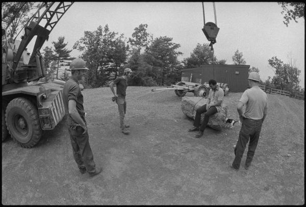 Construction workers joke with Muhammad Ali1974© 1978 Peter Angelo Simon - Image 7683_0504