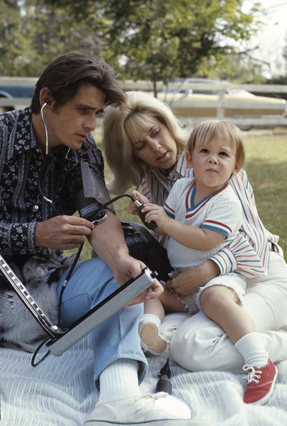 James Brolin with wife Jane Cameron Agee and son Josh Brolin1970 © 1978 Gene Trindl - Image 7729_0014