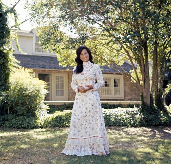 Loretta Lynn1973 © 1978 Bud Gray - Image 7734_0070